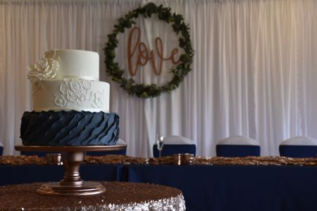 Wedding backdrop cake